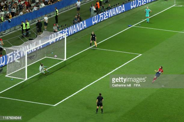 Guro Reiten of Norway scores her team's second penalty in the penalty shoot out during the 2019 FIFA Women's World Cup France Round Of 16 match...