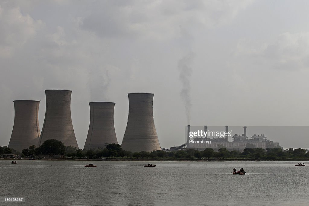 Guru Nanak Dev Thermal Plant a thermal power station dominates the skyline of Bhatinda Punjab India on Wednesday Aug 28 2013 India is Asias...