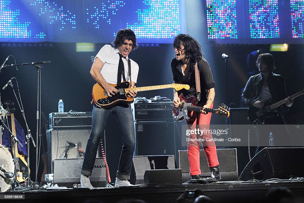 'Gush' perform live during the celebration of Prix Constantin 2010 at L'Olympia, in Paris