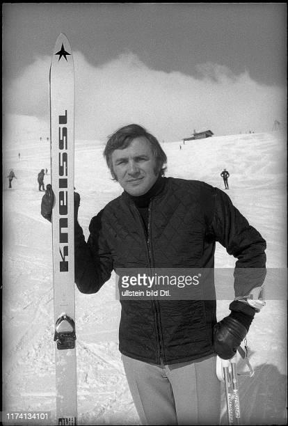 Gustav Bubi Scholz beim Skifahren 1971