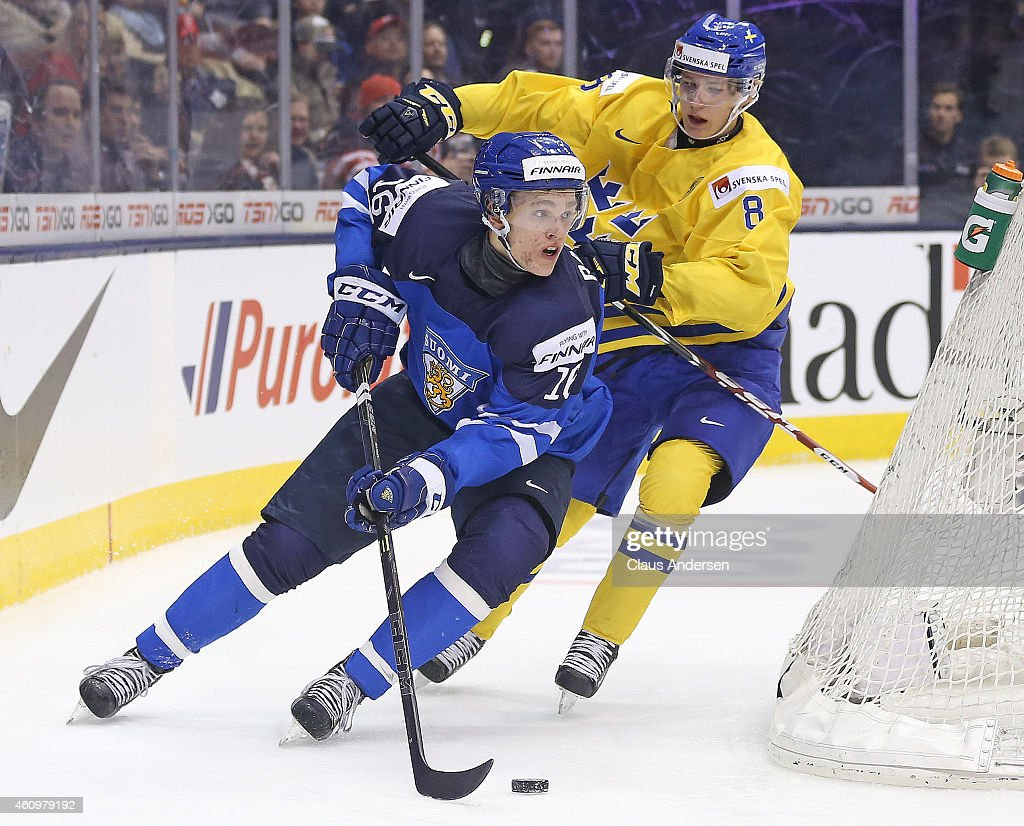 Quarterfinal2 - 2015 IIHF World Junior Championship : News Photo