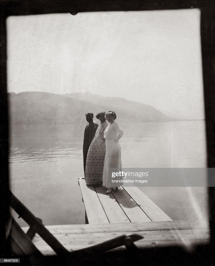 Archive Fashion: Sombre Shades