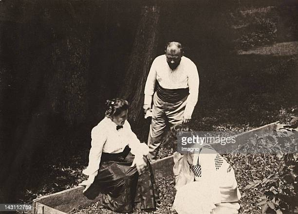 Gustav Klimtwith Emilie Floege with turtels Villa Paulick Seewalchen am Attersee Austria Photograph around 1910