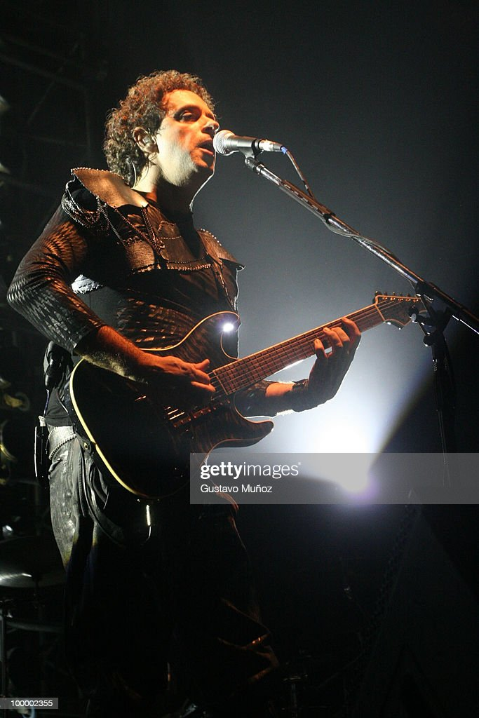 Gustavo Cerati performs live on stage during a concert on March 21, 2006 in Buenos Aires, Argentina.