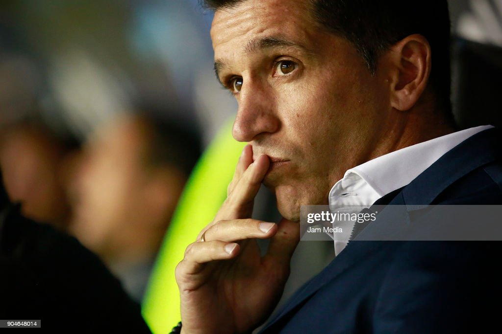 Gustavo Diaz, coach of Leon looks on during the second round match between Leon and Toluca as part of the Torneo Clausura 2018 Liga MX at Leon Stadium on January 13, 2018 in Leon, Mexico.