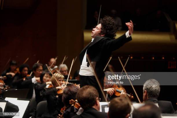 """Gustavo Dudamel leading the Los Angels Philharmonic in Tchaikovsky's """"Symphony No. 6 in B minor"""" at Avery Fisher Hall on Thursday night, May 20, 2010."""