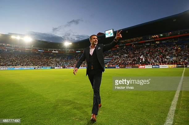 Gustavo Matosas coach of Atlas greets the fans prior a 7th round match between Pachuca and Atlas as part of the Apertura 2015 Liga MX at Hidalgo...