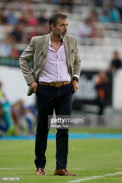 Gustavo Matosas coach of Atlas watches the actions during a 5th round match between Atlas and Puebla as part of the Apertura 2015 Liga MX at Jalisco...