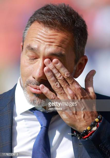 Gustavo Matosas Head Coach of San Luis gestures prior the 10th round match between Atletico San Luis and Santos Laguna as part of the Torneo Apertura...