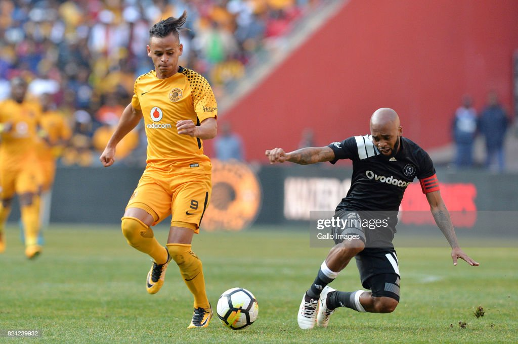 Carling Black Label Champion Cup: Orlando Pirates v Kaizer Chiefs : News Photo