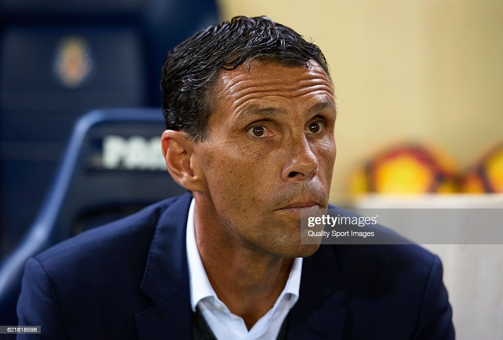 Gustavo Poyet, Manager of Betis looks on prior to the La Liga match between Villarreal CF and Real Betis at El Madrigal on November 06, 2016 in Villarreal, Spain.