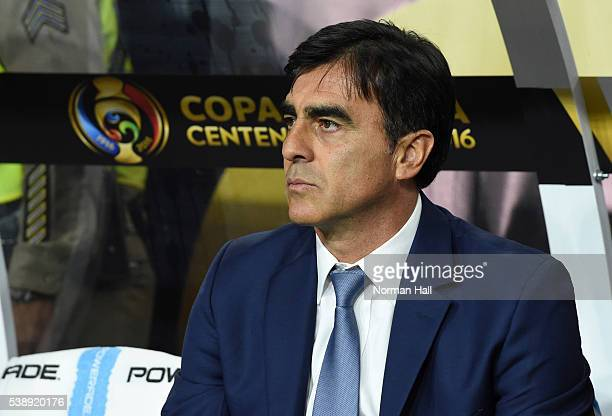 Gustavo Quinteros coach of Ecuador looks on during a group B match between Ecuador and Peru as part of Copa America Centenario US 2016 at University...