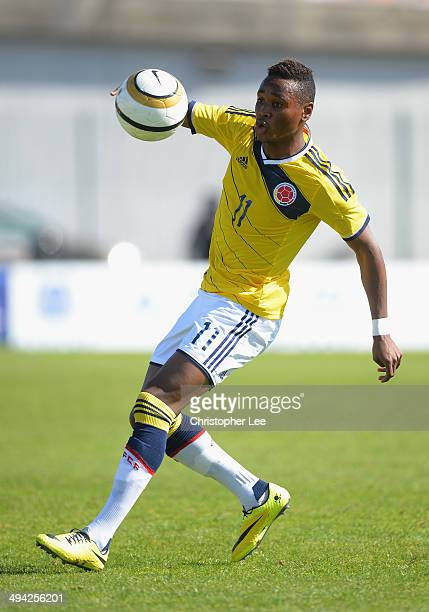 Gustavo Torres of Colombia in action during the Toulon Tournament Group B match between Colombia and Qatar at the Stade De Lattre on May 28, 2014 in...