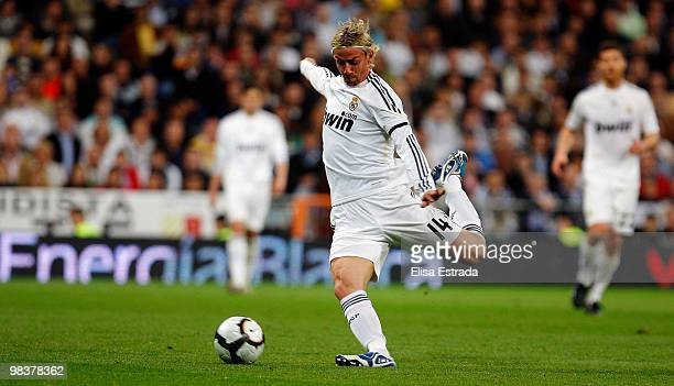 Guti of Real Madrid shoots on goal during the La Liga match between Real Madrid and Barcelona at Estadio Santiago Bernabeu on April 10, 2010 in...
