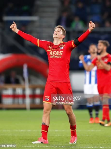 Guus Til of AZ Alkmaar celebrate the victory during the Dutch Eredivisie match between SC Heerenveen v AZ Alkmaar at the Abe Lenstra Stadium on...