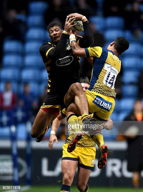 Guy Armitage of Wasps is tackled by Afeafe Haisila Lokotui of Worcester Rugby during the AngloWelsh Cup match between Wasps and Worcester Rugbyat The...