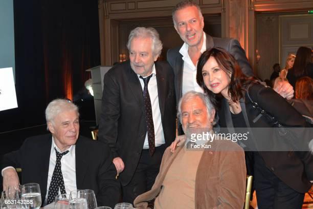 Guy Bedos Pierre Arditi a guest Evelyne Bouix and Jean Paul Belmondo attend 'La Recherche en Physiologie' Charity Gala at Four Seasons Hotel George V...