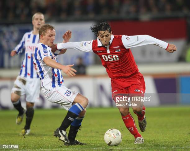 Guy Easterby of AZ Alkmaar in action during the Dutch Eredivisie match between Heerenveen and AZ Alkmaar at Abe Lenstra Stadium on January 19 2008 in...