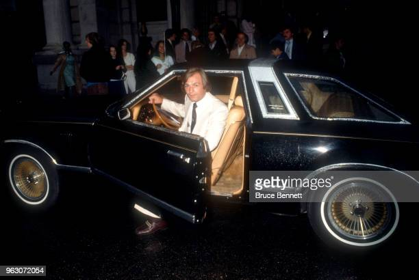 Guy LaFleur of the Montreal Canadiens pulls up in a Lincoln Continental Town car circa 1980's