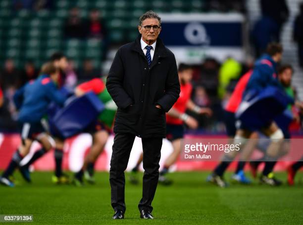 Guy Noves the head coach of France looks on prior to the RBS Six Nations match between England and France at Twickenham Stadium on February 4 2017 in...