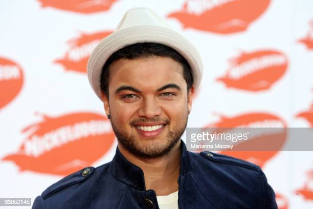 Guy Sebastian arrives for the Australian Nickelodeon Kids' Choice Awards 2009 at Hisense Arena on November 13, 2009 in Melbourne, Australia.