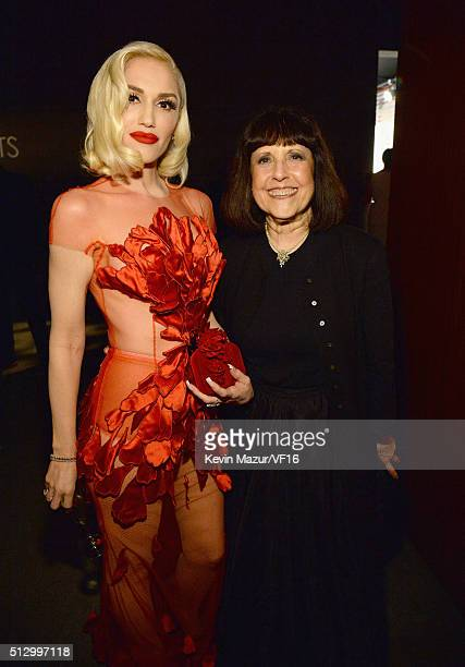 Gwen Stefani and Lisa Robinson attend the 2016 Vanity Fair Oscar Party Hosted By Graydon Carter at the Wallis Annenberg Center for the Performing...
