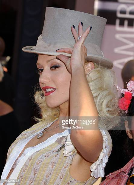 Gwen Stefani during 32nd Annual American Music Awards Arrivals at Shrine Auditorium in Los Angeles California United States