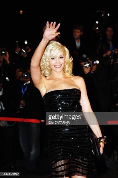 Gwen Stefani Midem 2007 NRJ Music Awards Montee des marches