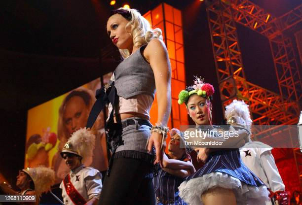 Gwen Stefani performs during KIIS FM's 4th Annual Jingle Ball at the Anaheim Pond on December 3, 2004 in Anaheim, California.