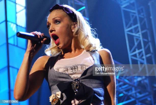 Gwen Stefani performs during KIIS FM's 4th Annual Jingle Ball at the Anaheim Pond on December 3, 2004 in Anaheim, California.