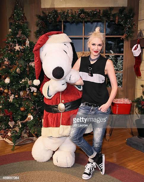 Gwen Stefani visits Snoopy at Knott's Merry Farm on November 28 2014 in Buena Park California