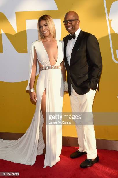 Gwendolyn Osborne and Former NBA player Kenny Smith attend the 2017 NBA Awards live on TNT on June 26 2017 in New York New York 27111_003