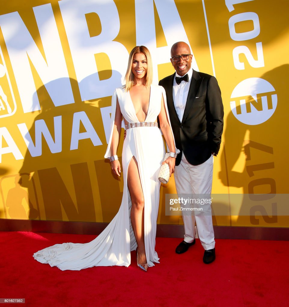 Gwendolyn Osborne (L) and Kenny Smith attend the 2017 NBA Awards at Basketball City - Pier 36 - South Street on June 26, 2017 in New York City.