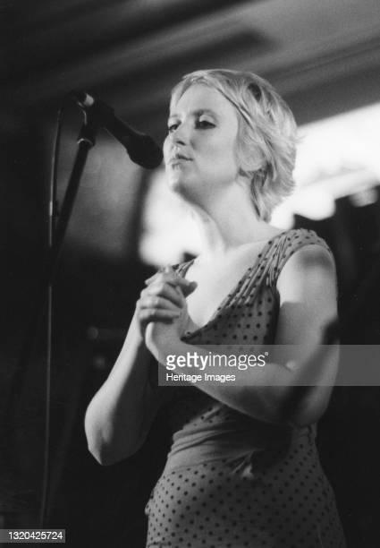 Gwyneth Herbert, Cleethorpes Jazz Festival, 2007. Artist Brian Foskett.