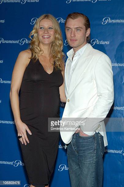 Gwyneth Paltrow and Jude Law during 2004 ShoWest Paramount Pictures Hosts Star Studded Dinner at Paris Hotel in Las Vegas Nevada United States