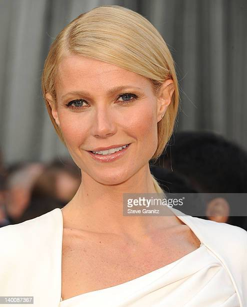 Gwyneth Paltrow arrives at the 84th Annual Academy Awards at Grauman's Chinese Theatre on February 26 2012 in Hollywood California
