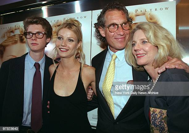 Gwyneth Paltrow arrives with her family at the Paris Theater for the premiere of Emma Brother Jake Gwyneth father Bruce mother Blyth Danner