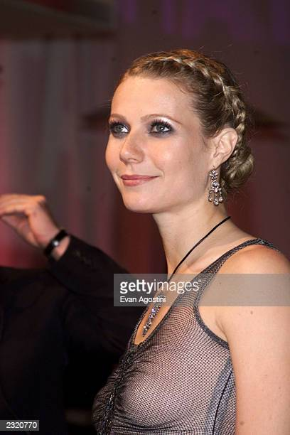 Gwyneth Paltrow arriving at the Vanity Fair Oscar Party 2002 at Morton's in Los Angeles CA March 24 2002 Photo Evan Agostini/ImageDirect
