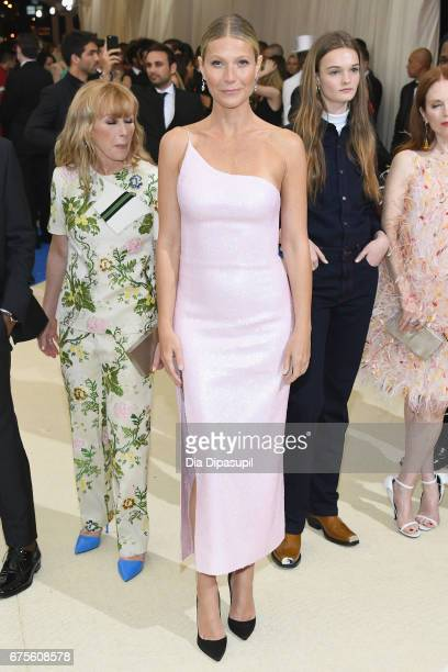 Gwyneth Paltrow attends the Rei Kawakubo/Comme des Garcons Art Of The InBetween Costume Institute Gala at Metropolitan Museum of Art on May 1 2017 in...