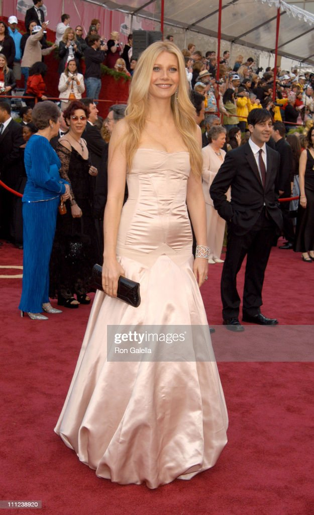 Gwyneth Paltrow during The 77th Annual Academy Awards - Arrivals at Kodak Theatre in Hollywood, California, United States.