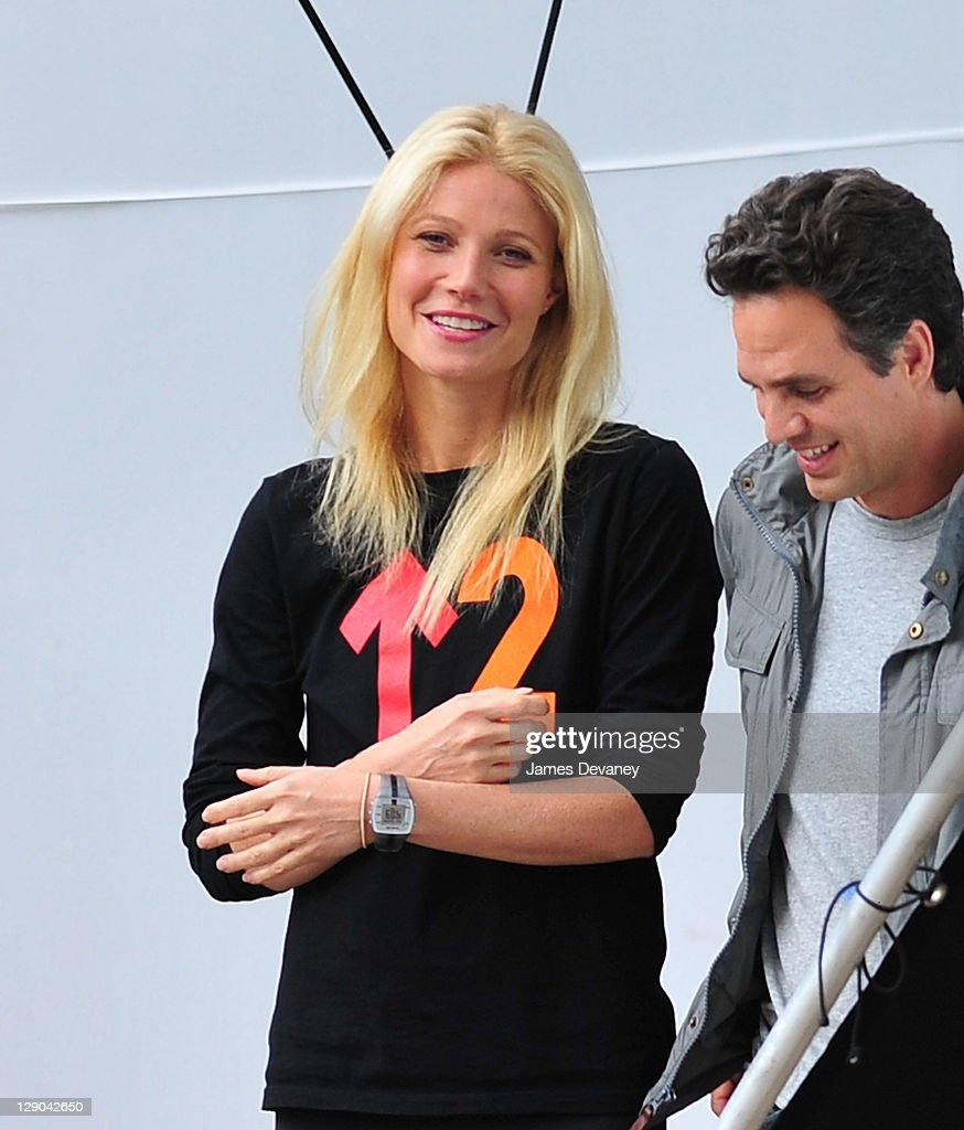 43c846ceb6c Gwyneth Paltrow filming on location of  Thanks for Sharing  on ...