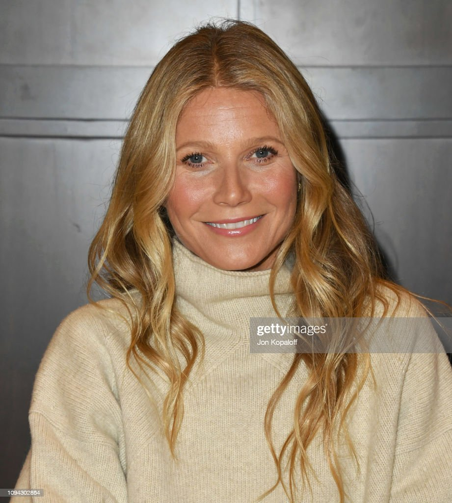 """Gwyneth Paltrow Signs Copies Of Her New Book """"The Clean Plate""""... : News Photo"""