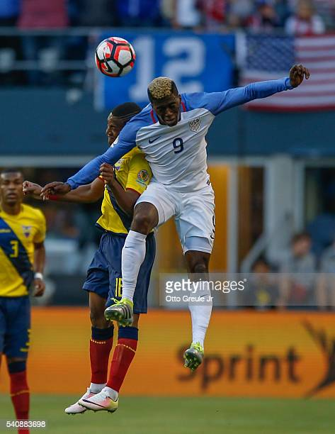 Gyasi Zardes of the United States heads the ball against Carlos Gruezo of Ecuador during the 2016 Quarterfinal - Copa America Centenario match at...