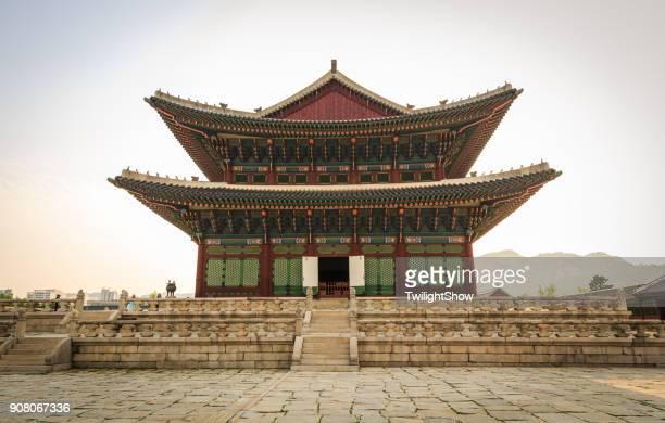 palácio de gyeongbokgung - palácio - fotografias e filmes do acervo