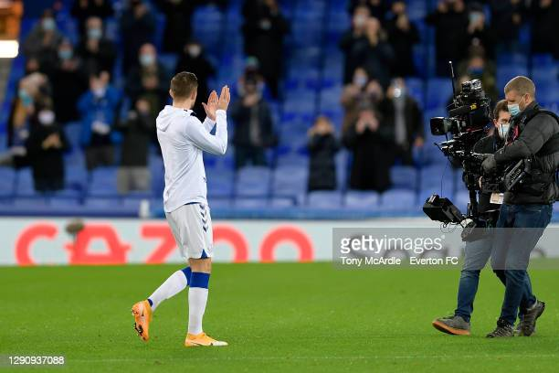 Gylfi Sigurdsson applauds the Everton fans leads out his team for the Premier League match between Everton and Chelsea at Goodison Park on December...