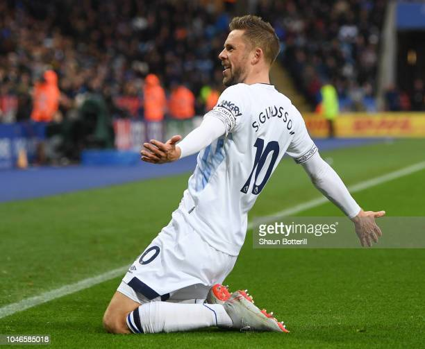 Gylfi Sigurdsson of Everton celebrates after scoring his team's second goal during the Premier League match between Leicester City and Everton FC at...