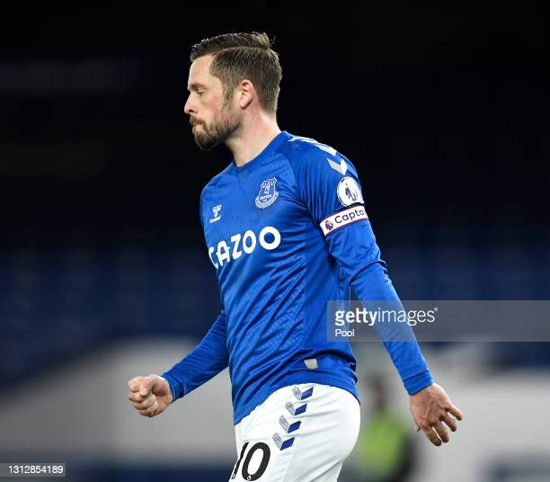 Gylfi Sigurdsson of Everton celebrates after scoring their team's first goal from the penalty spot during the Premier League match between Everton...