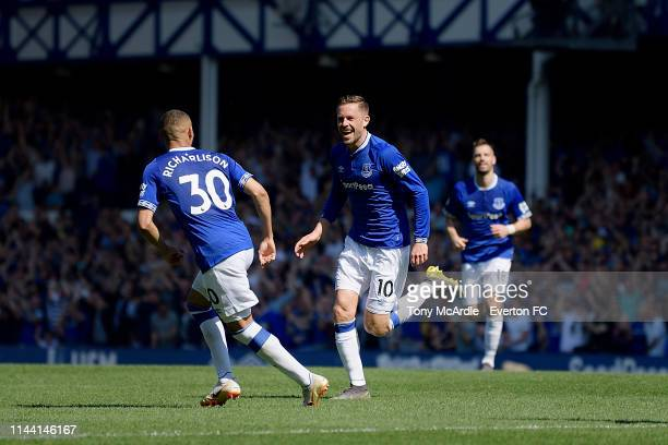 Gylfi Sigurdsson of Everton celebrates his goal during the Premier League match between Everton FC and Manchester United at Goodison Park on April 21...