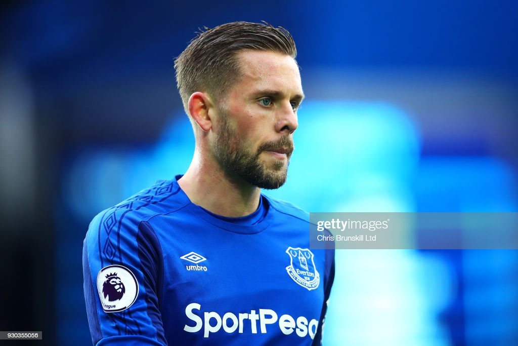 Everton v Brighton and Hove Albion - Premier League : News Photo