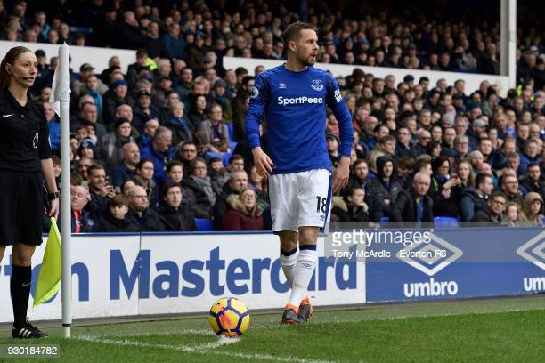 Gylfi Sigurdsson of Everton prepares to take a corner during the Premier League match between Everton and Brighton and Hove Albion at Goodison Park...